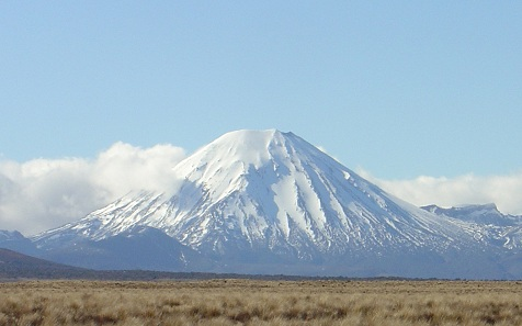 Mount_Ngauruhoe_August_2003.jpg
